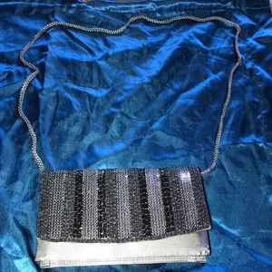 La Regale silver purse